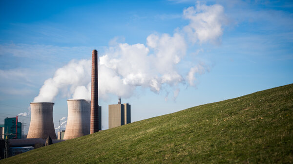 Steam and exhaust rise from the steel power station HKM Huettenwerke Krupp Mannesmann GmbH on a cold winter day on January 6, 2017 in Duisburg, Germany. Climate scientists reports that greenhouse gases are among the chief causes of global warming and climates change.