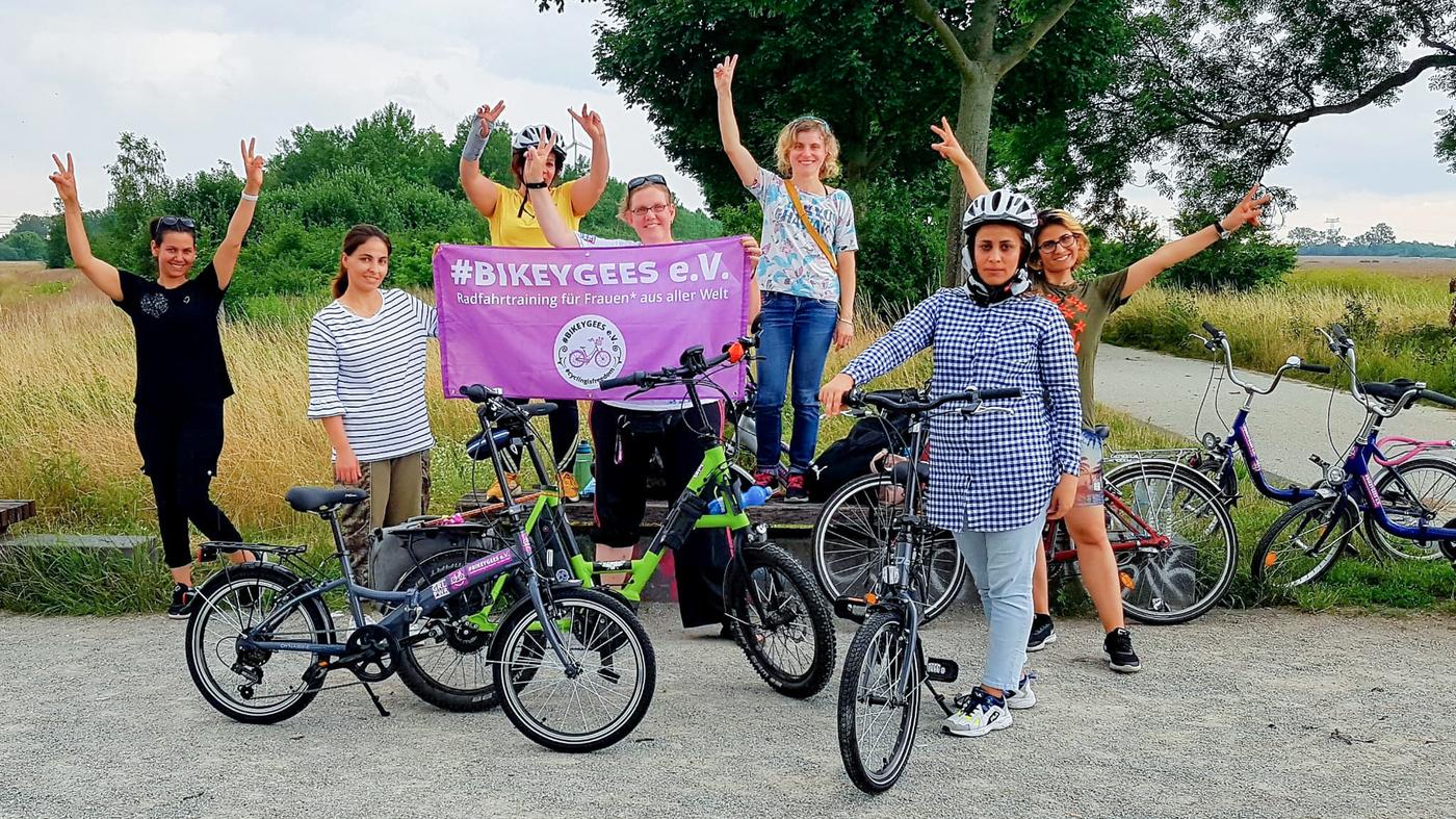 'A Beautiful Feeling': Refugee Women In Germany Learn The Joy Of Riding Bikes – NPR