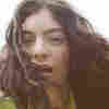 Lorde, Now Fully Adulting, Embraces A Folksy Analog On 'Solar Power'