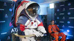 NASA Wants To Return To The Moon By 2024, But The Spacesuits Won't Be Ready