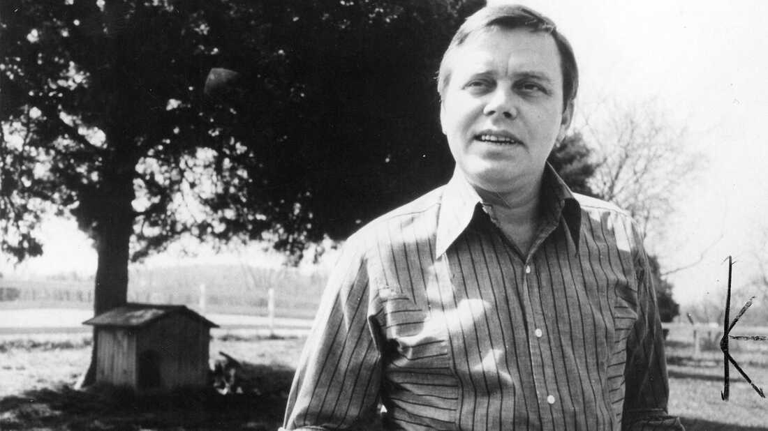 Tom T. Hall, Country Music's Storyteller, Captured Life's Humble Moments