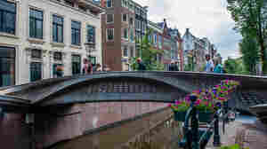 Check Out The First 3D-Printed Steel Bridge Recently Unveiled In Europe
