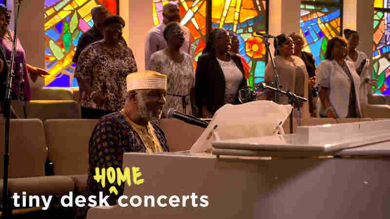 Pastor T.L. Barrett & The Royal Voices Of Life: Tiny Desk (Home) Concert