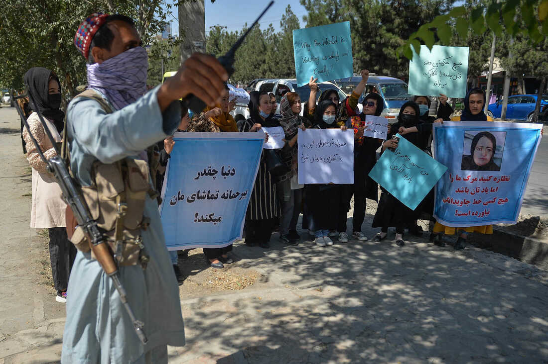 Photos: Afghan Women Are Protesting For Their Rights 6