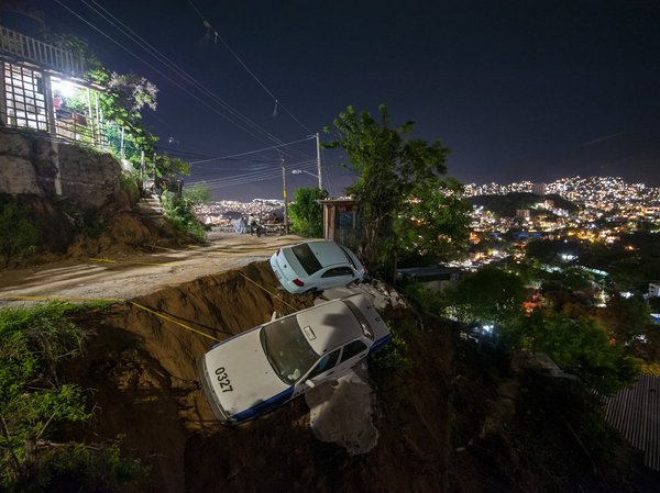 A magnitude 7.1 earthquake shook Acapulco, Mexico, on Wednesday. After the quake, Mexicans shared videos of bursts of blue lights streaking across the sky.