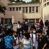 Los Angeles Bây giờ là Khu Học Chánh Lớn Nhất Yêu Cầu Vắc Xin Cho Học Sinh