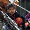 La cooperación para reasentar a los refugiados afganos en los Estados Unidos es amplia pero limitada.