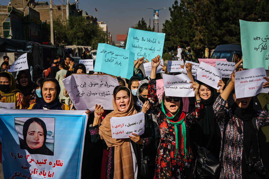 Photos: Afghan Women Are Protesting For Their Rights 2
