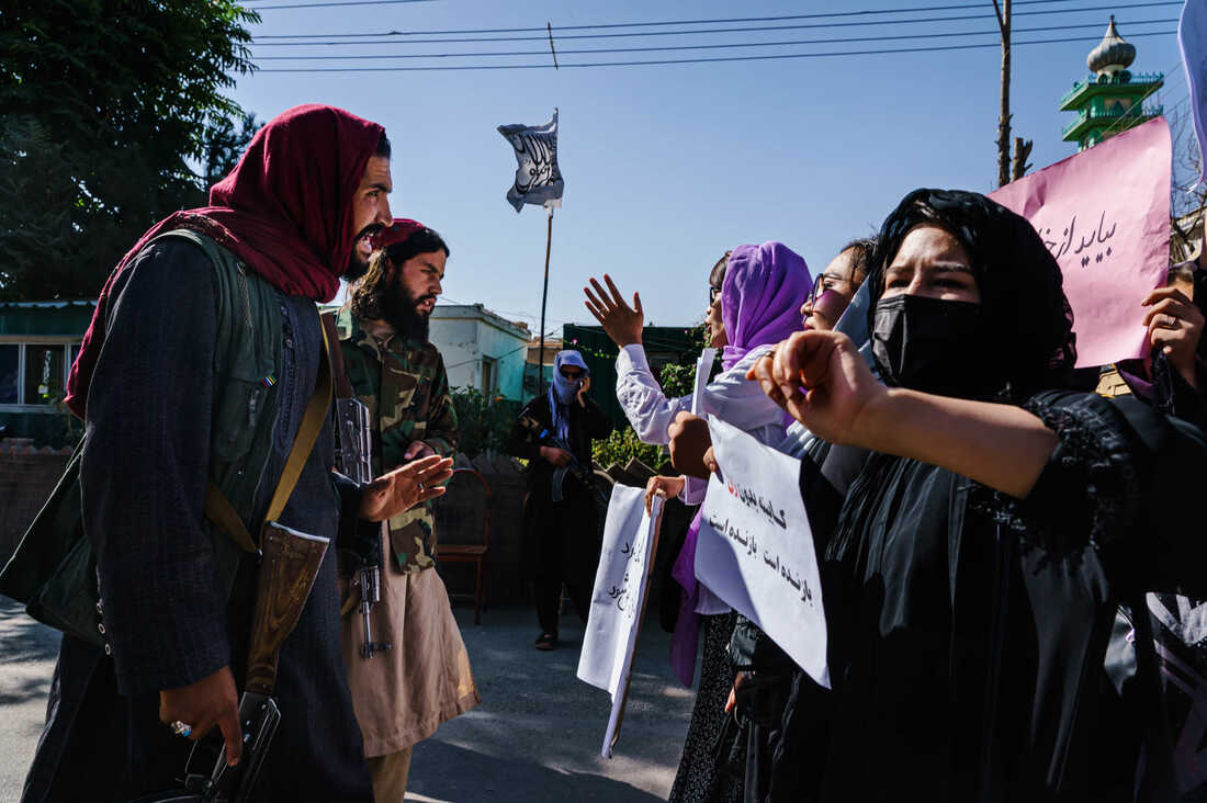 Photos: Afghan Women Are Protesting For Their Rights 3