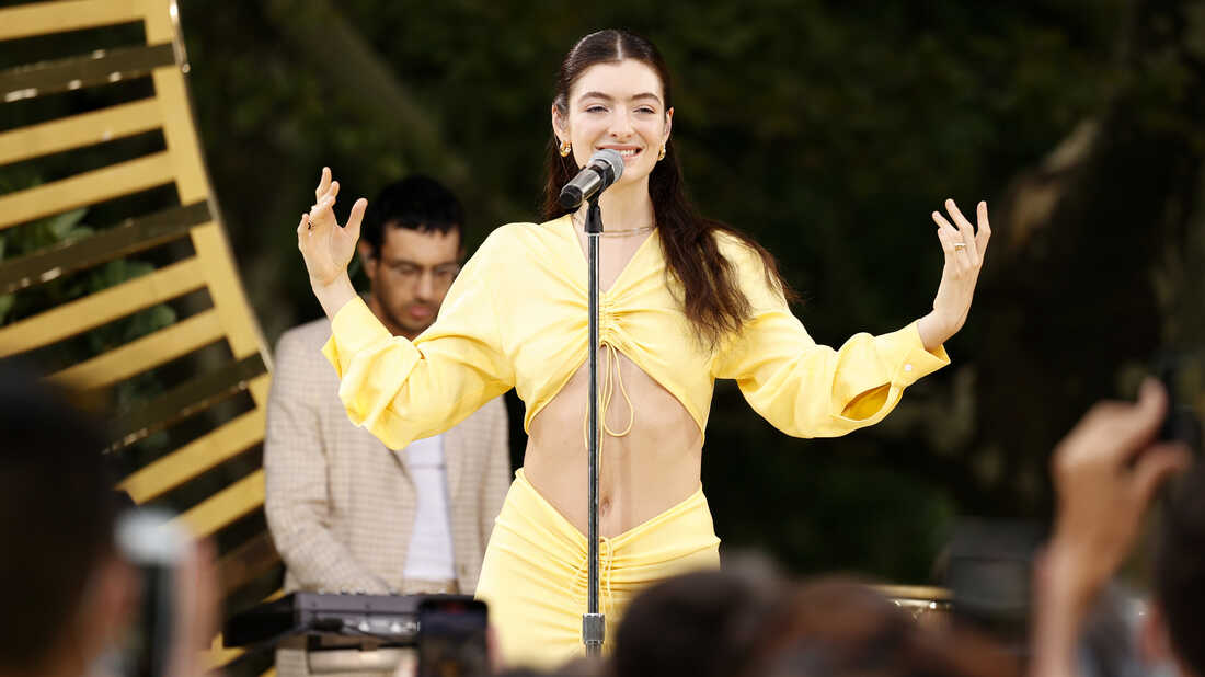 Lorde Dropped A Surprise Mini-Album Of 'Solar Power' Tracks In The Māori Language