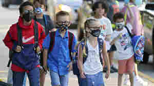 Florida's On-Again, Off-Again Ban On School Mask Mandates Is Back In Force