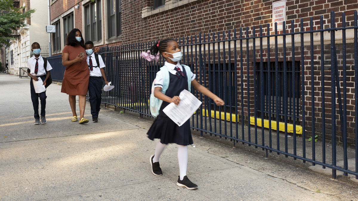 New York students return to school as new COVID-19 measures take effect: NPR