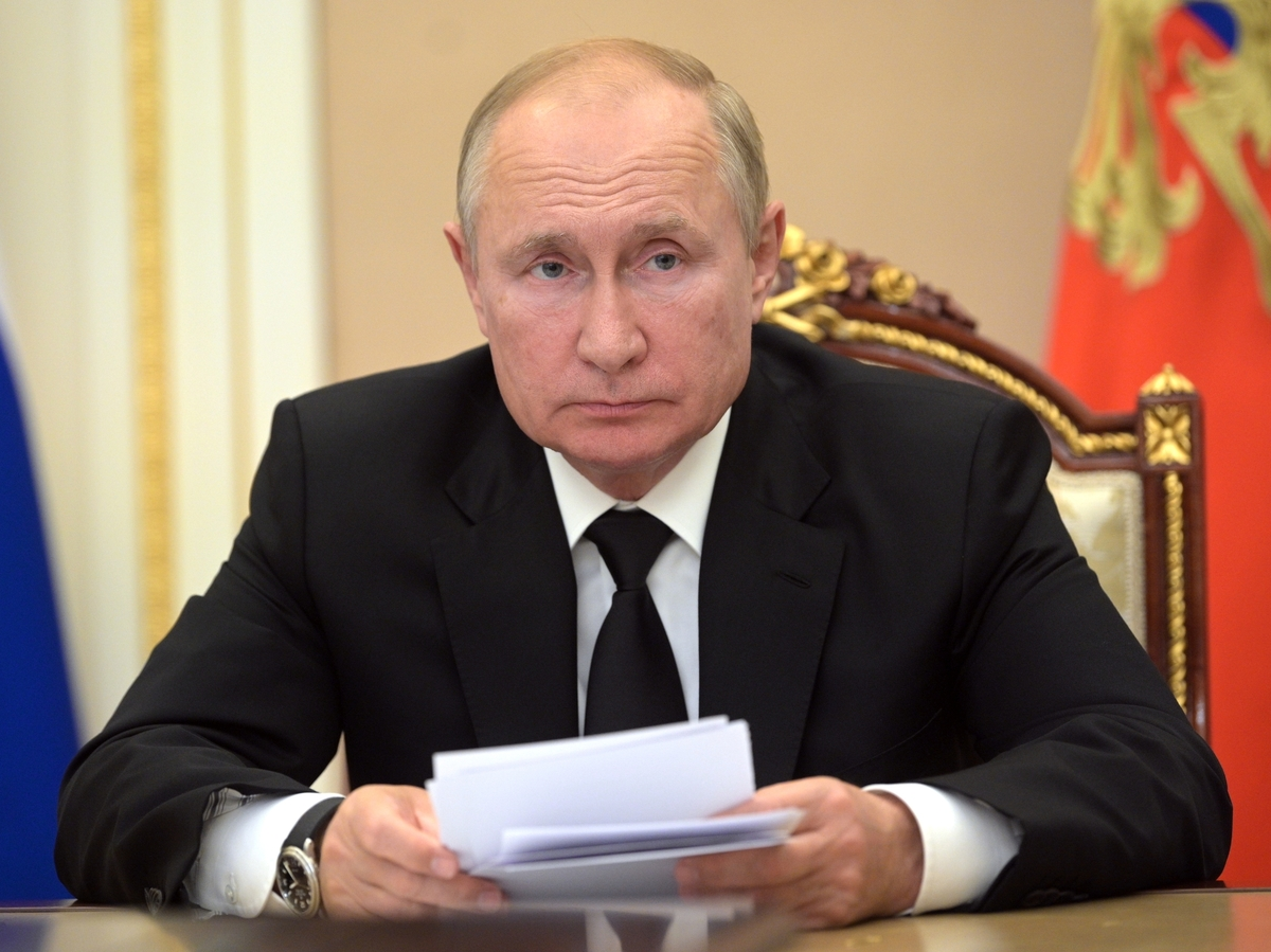 Putin self-isolates due to COVID-19 among staff: NPR