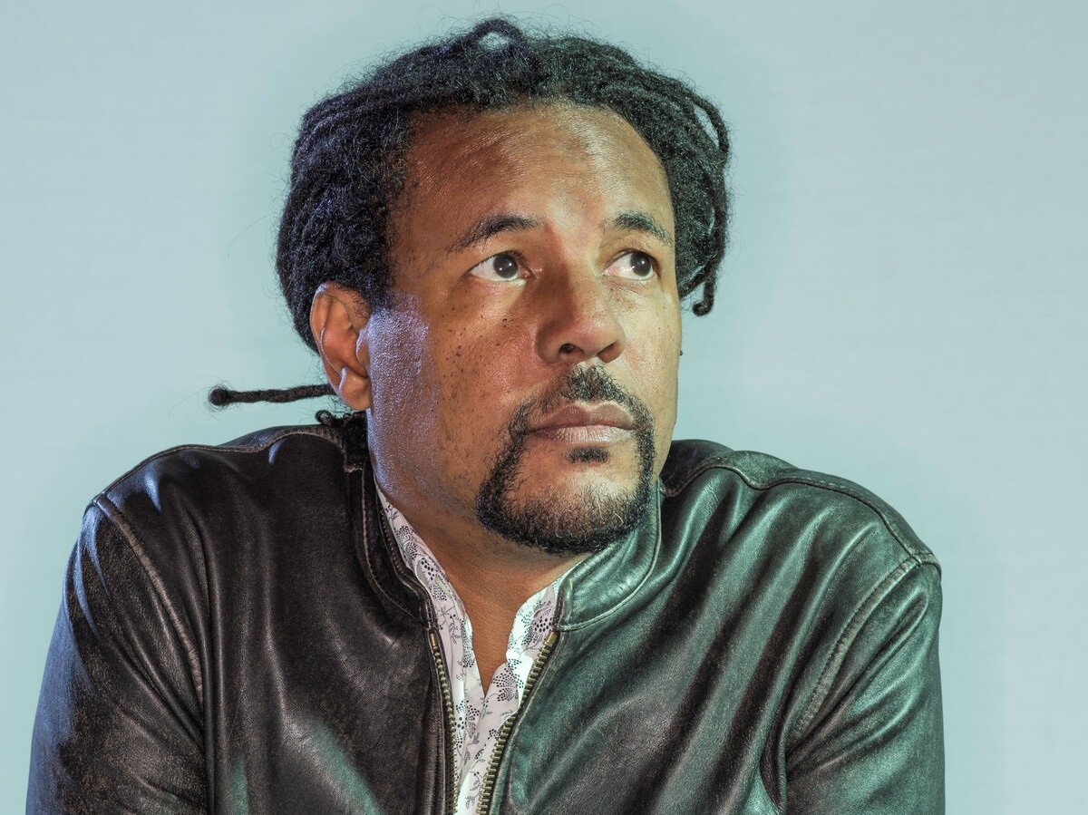 In 'Harlem Shuffle', Colson Whitehead returns to his home country: NPR