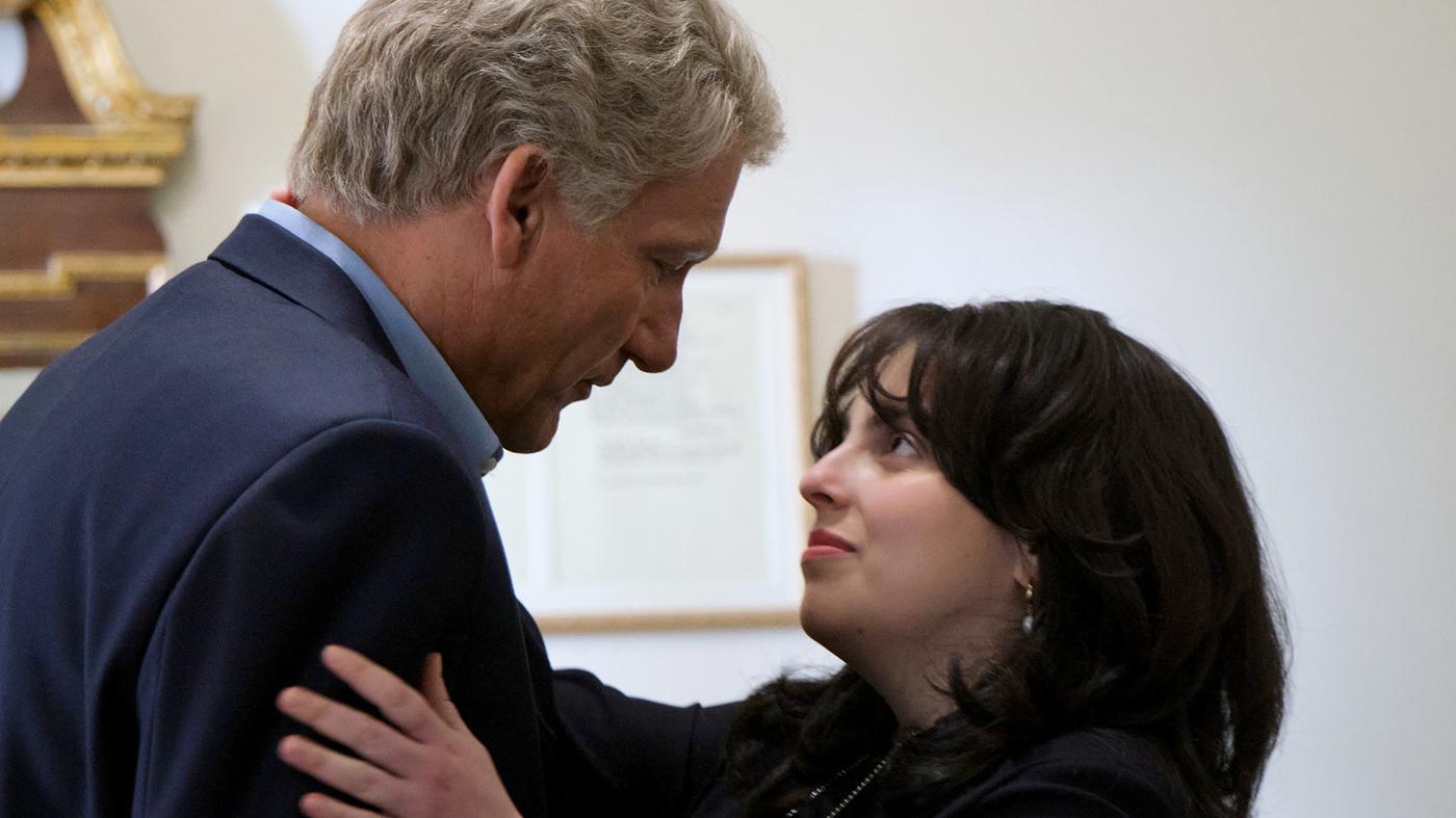 Clinton-Lewinsky FX Impeachment Series Forgoes Sex For Substance : NPR