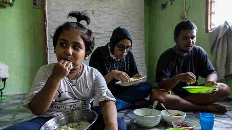PHOTOS: How Struggling Families Manage To Feed Their Kids In A Pandemic