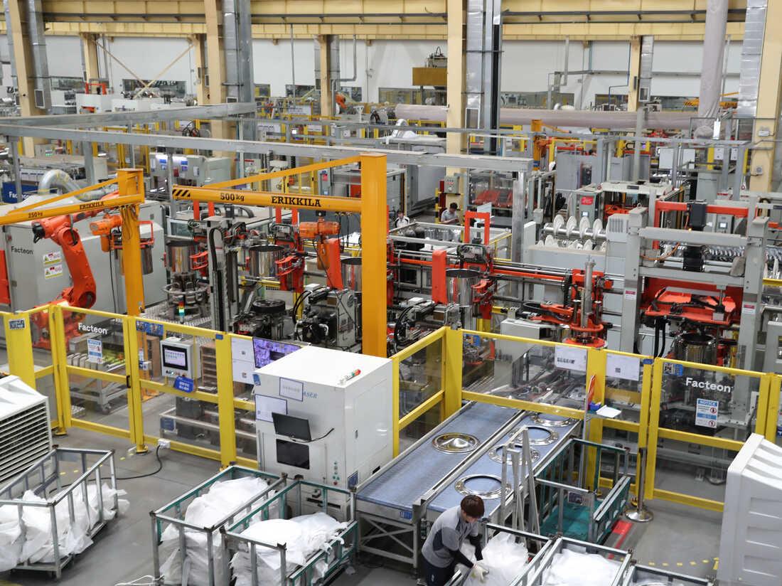 QINGDAO, CHINA - MAY 18, 2021 - A washing machine interconnection factory ramps up production in Qingdao, east China's Shandong province, May 18, 2021.
