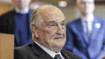 Philanthropic Billionaire Walter Scott Dies At 90
