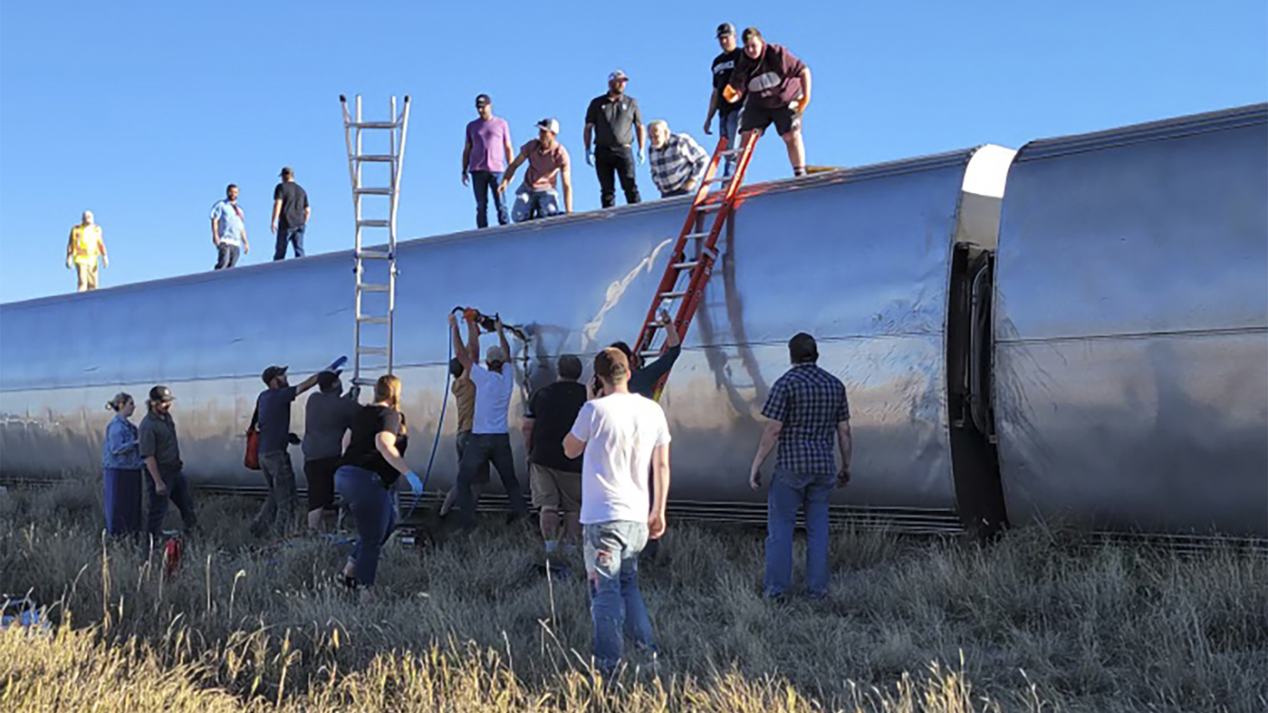 Federal Investigators Probe Deadly Amtrak Derailment In Montana – NPR