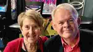 Couple Celebrating Their 50th Anniversary Died In An Amtrak Train Derailment