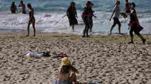 Coppertone recalls 5 sunscreen sprays because of a cancer-causing chemical