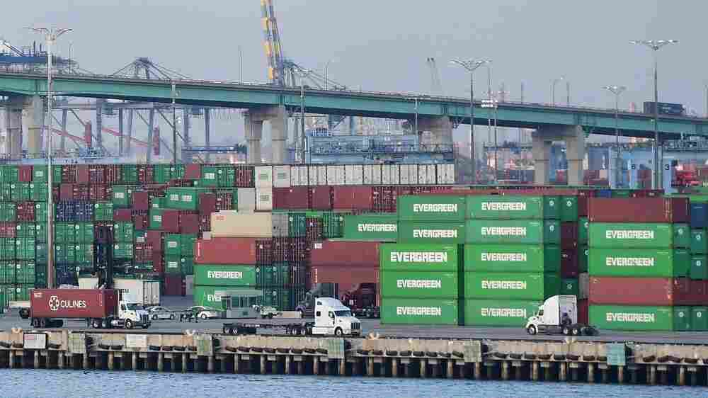 There's a backlog at U.S. ports. Here's how Biden hopes to get you your goods, faster