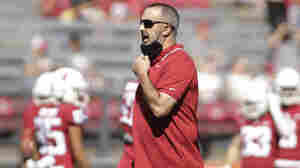 Washington State fires its football coach over COVID-19 vaccine mandate