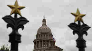 Texas lawmakers pass new congressional maps that bolster the GOP