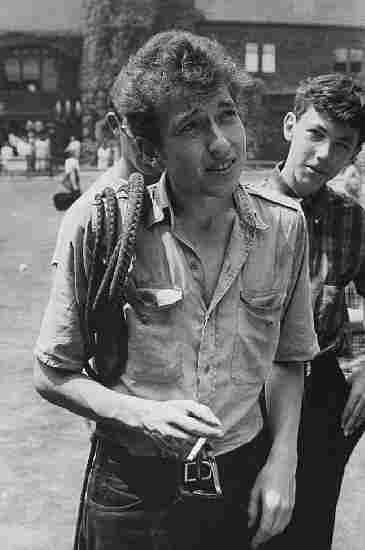 Bob Dylan, Newport R.I. 1963; credit: Rowland Scherman.