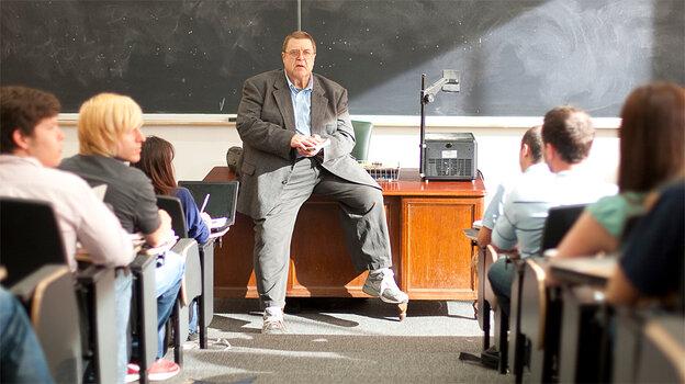 Creighton Bernette (John Goodman)
