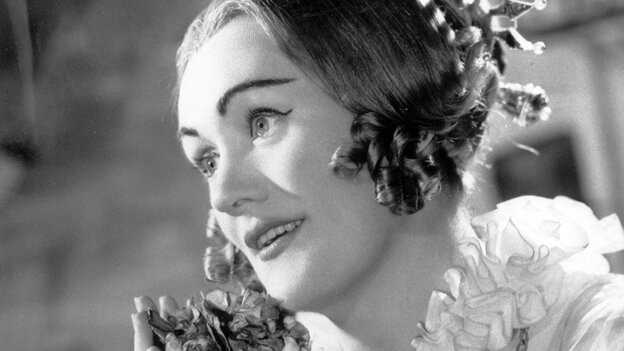 Soprano Joan Sutherland, photographed in 1960.
