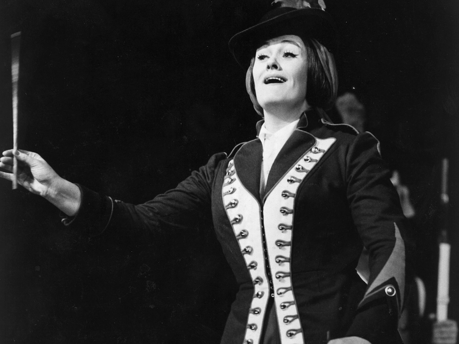 Joan Sutherland shined as Marie in <em>La Fille du Régiment</em> at the Metropolitan Opera, where she shared the stage with Luciano Pavarotti.