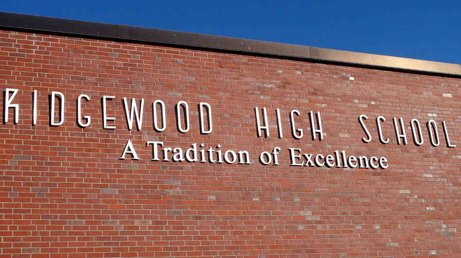 Ridgewood High School; credit: birdphone / flickr