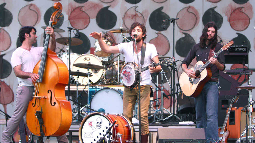 Bonnaroo 2010: The Avett Brothers In Concert