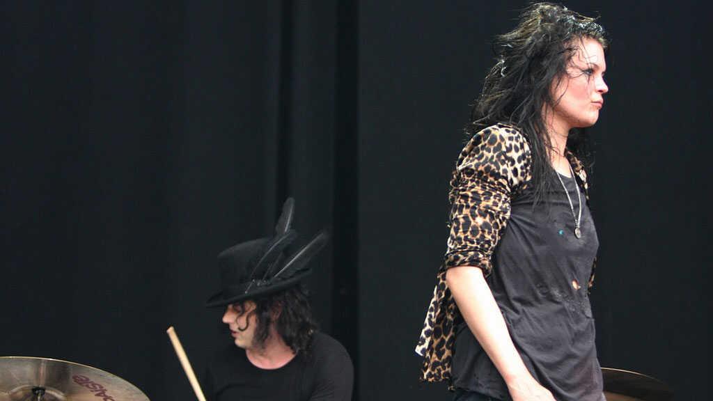 Bonnaroo 2010: Dead Weather In Concert