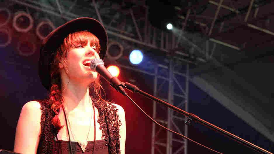 Diane Birch; credit: Wills Glasspiegel