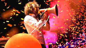 Bonnaroo 2010: The Flaming Lips In Concert