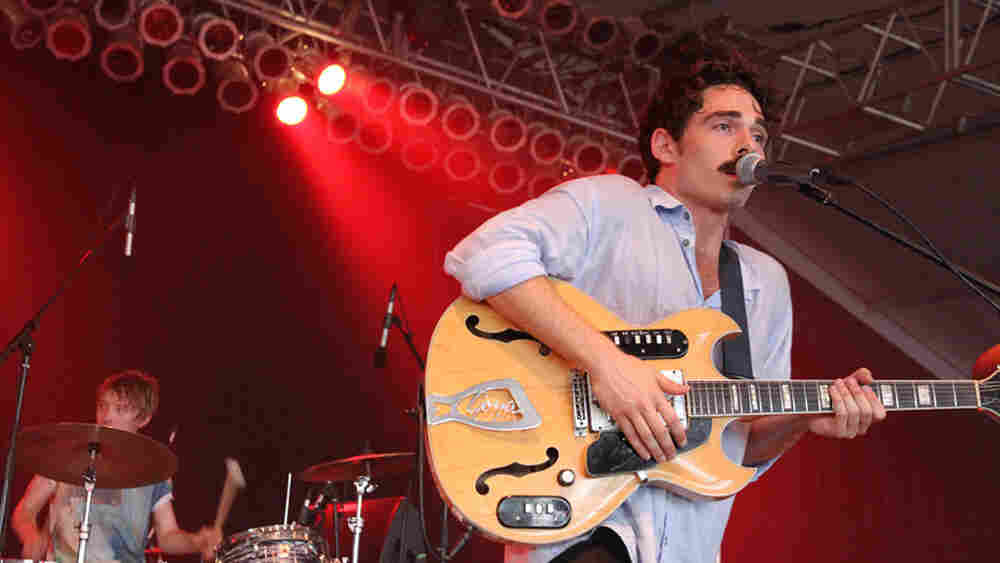 Local Natives; credit: Wills Glasspiegel
