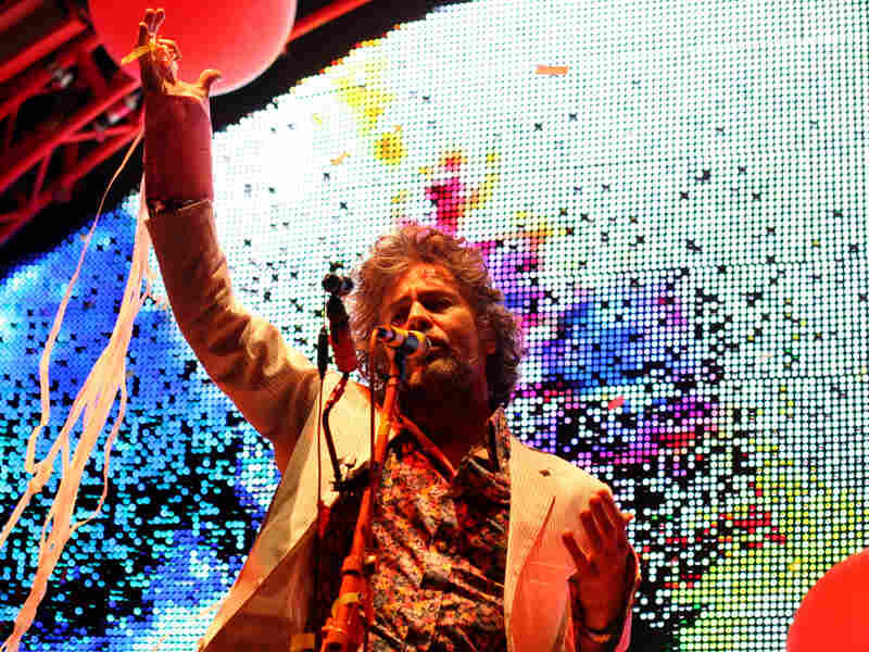 The Flaming Lips have one of the most infectiously fun yet truly surreal concert experiences.
