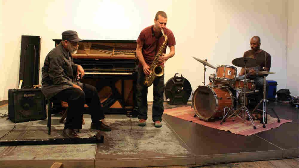 Digital Primitives performing at Wuppertal.