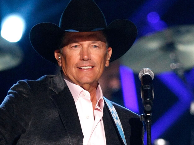 George Strait performs onstage during the 44th annual Academy Of Country Music Awards' Artist of the Decade in Las Vegas. (Getty Images)