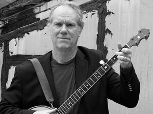 Loudon Wainwright III with banjo