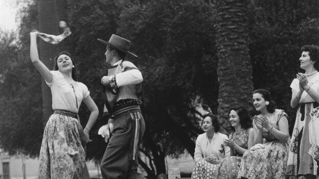 Cueca Dancers; Getty/The Hulton Archive