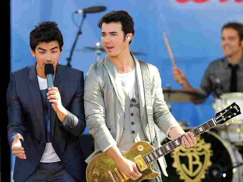 The Jonas Brothers live