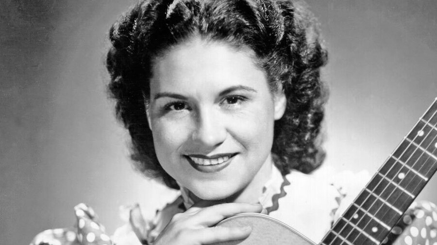 Kitty Wells - women country singers