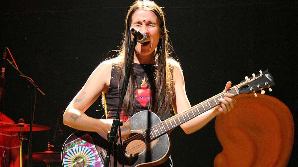 Women Who Rock -- In Spanish