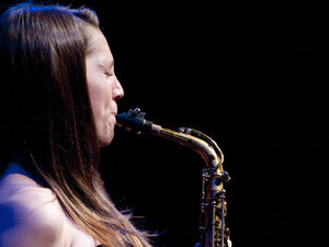 Hailey Niswanger performs at the Kennedy Center Jazz Club.
