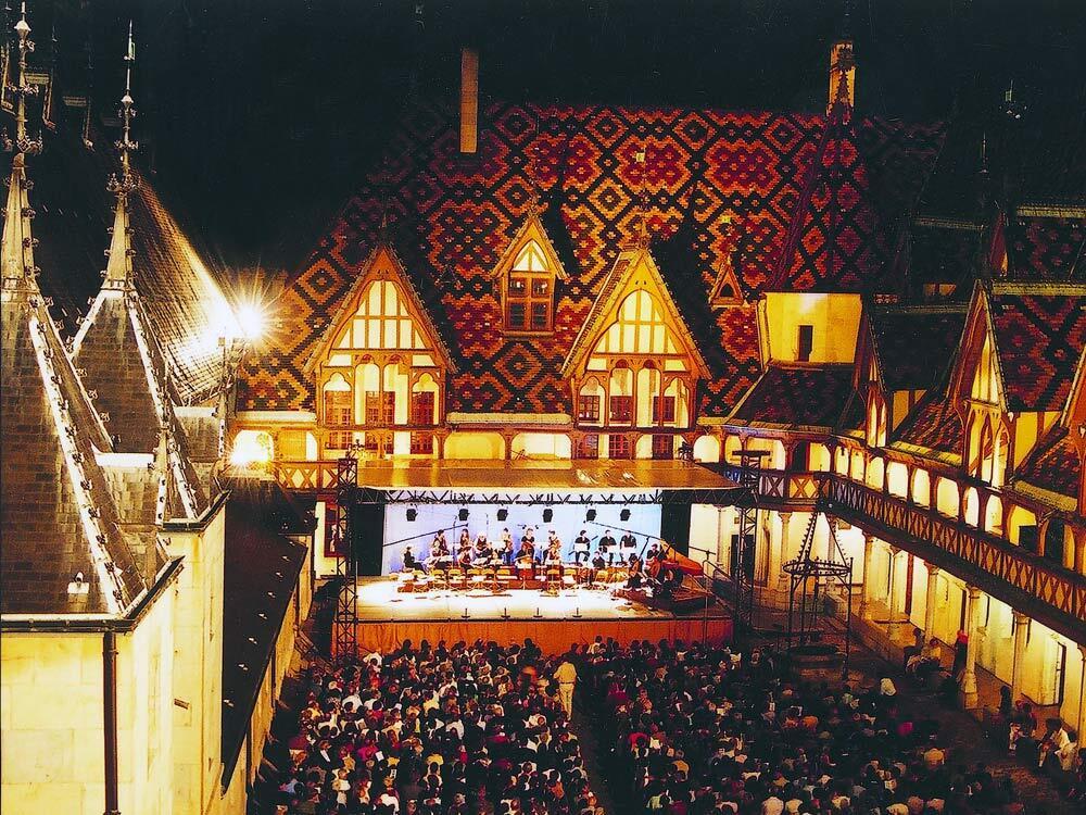 abbaye de lessay festival Marion lecapelain, coordinatrice artistique du festival les heures musicales de l'abbaye de lessay-24e édition.