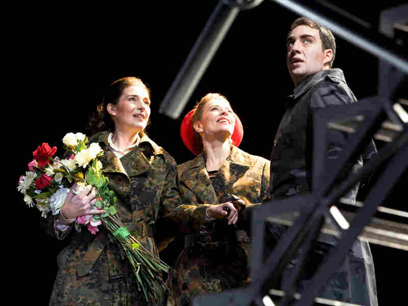 Véronique Gens, Charlotte Hellekant and Avi Klemberg in 'Iphigenia in Aulis'