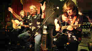The Strawbs: Pop's Timeline Gets Unplugged
